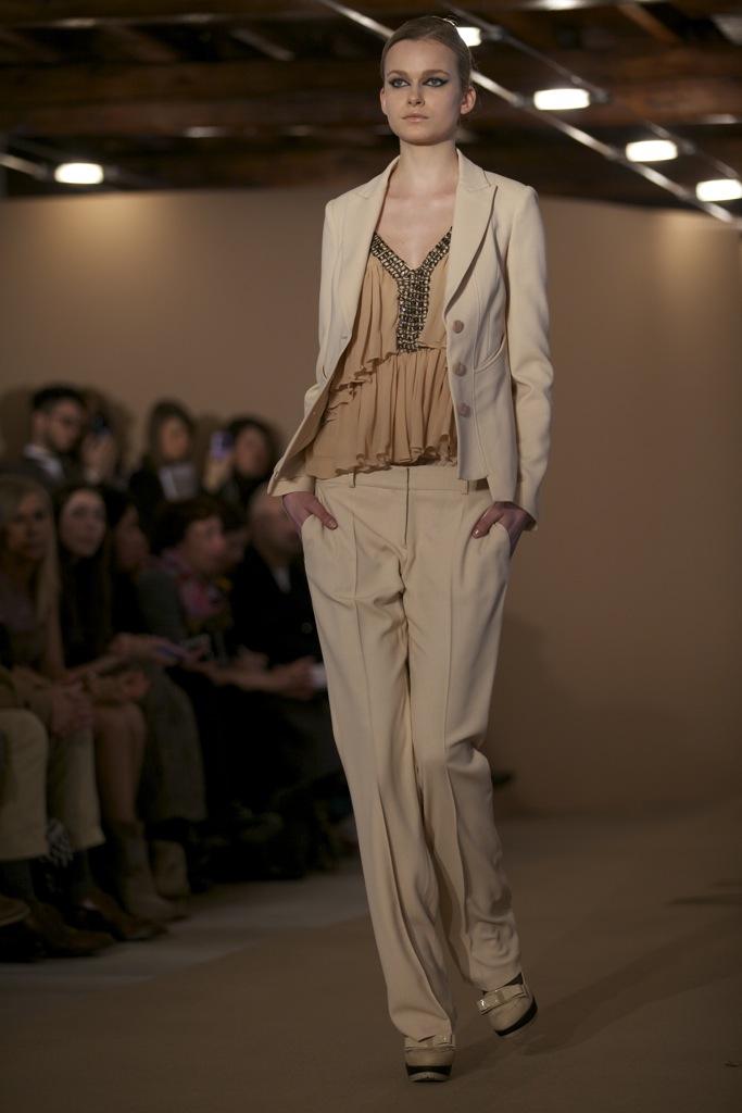 Paola Frani Fall Winter Woman 2011-12 Milano Fashion Week