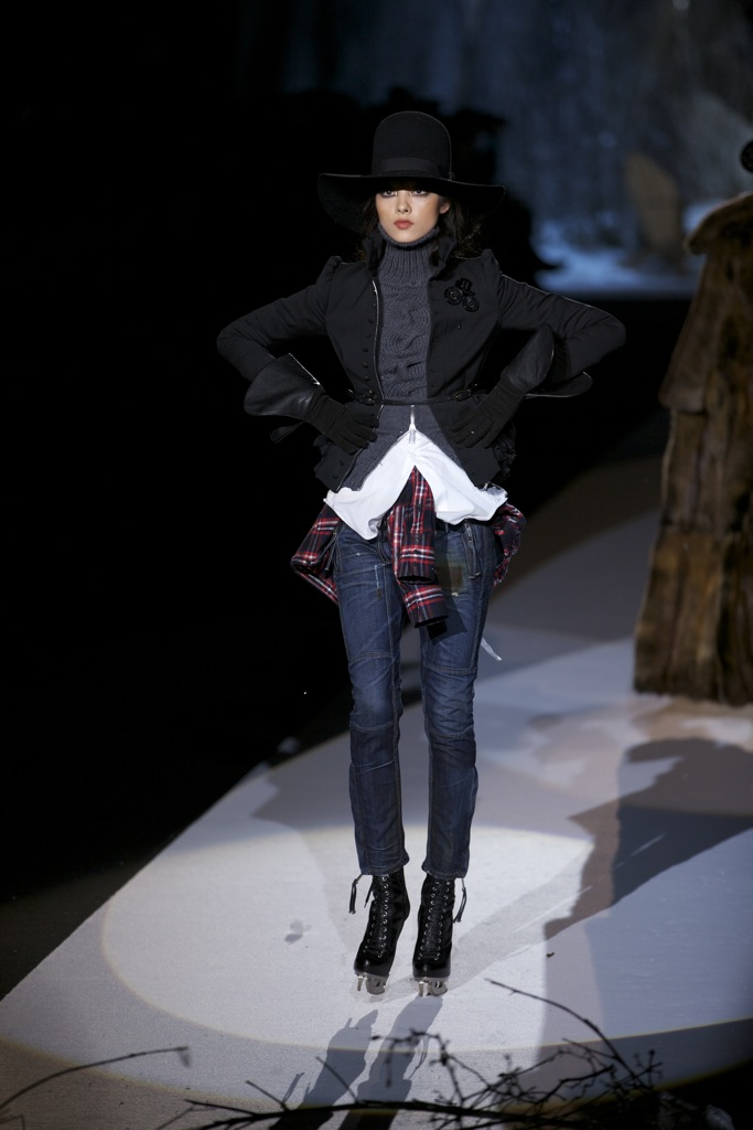 Dsquared2 Fall Winter Woman 2011-12 Milano Fashion Week