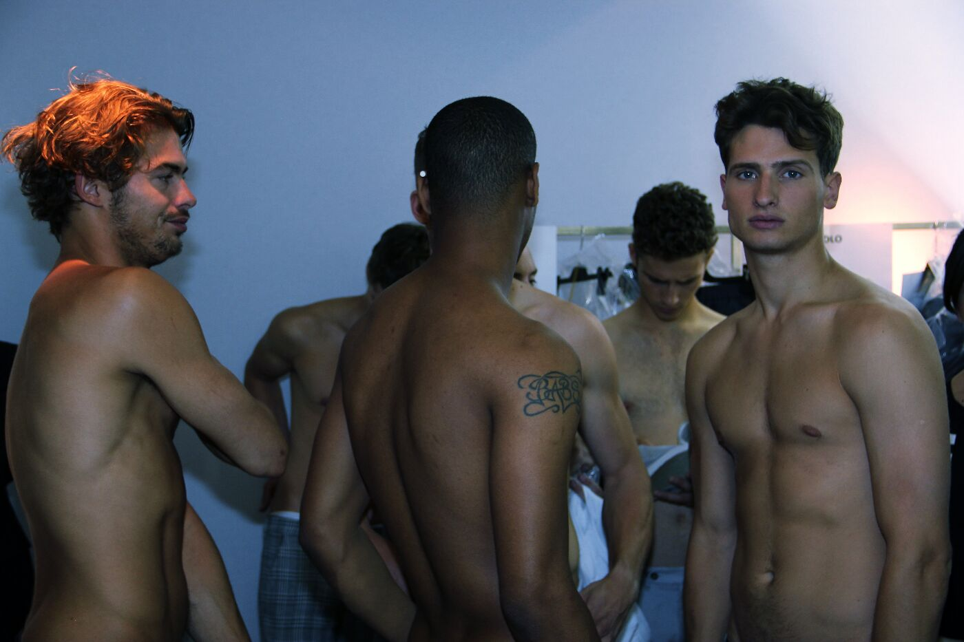 backstage-ermanno-scervino-2012-backstage-spring-summer-2012-milano-fashion-week-ermanno-scervino