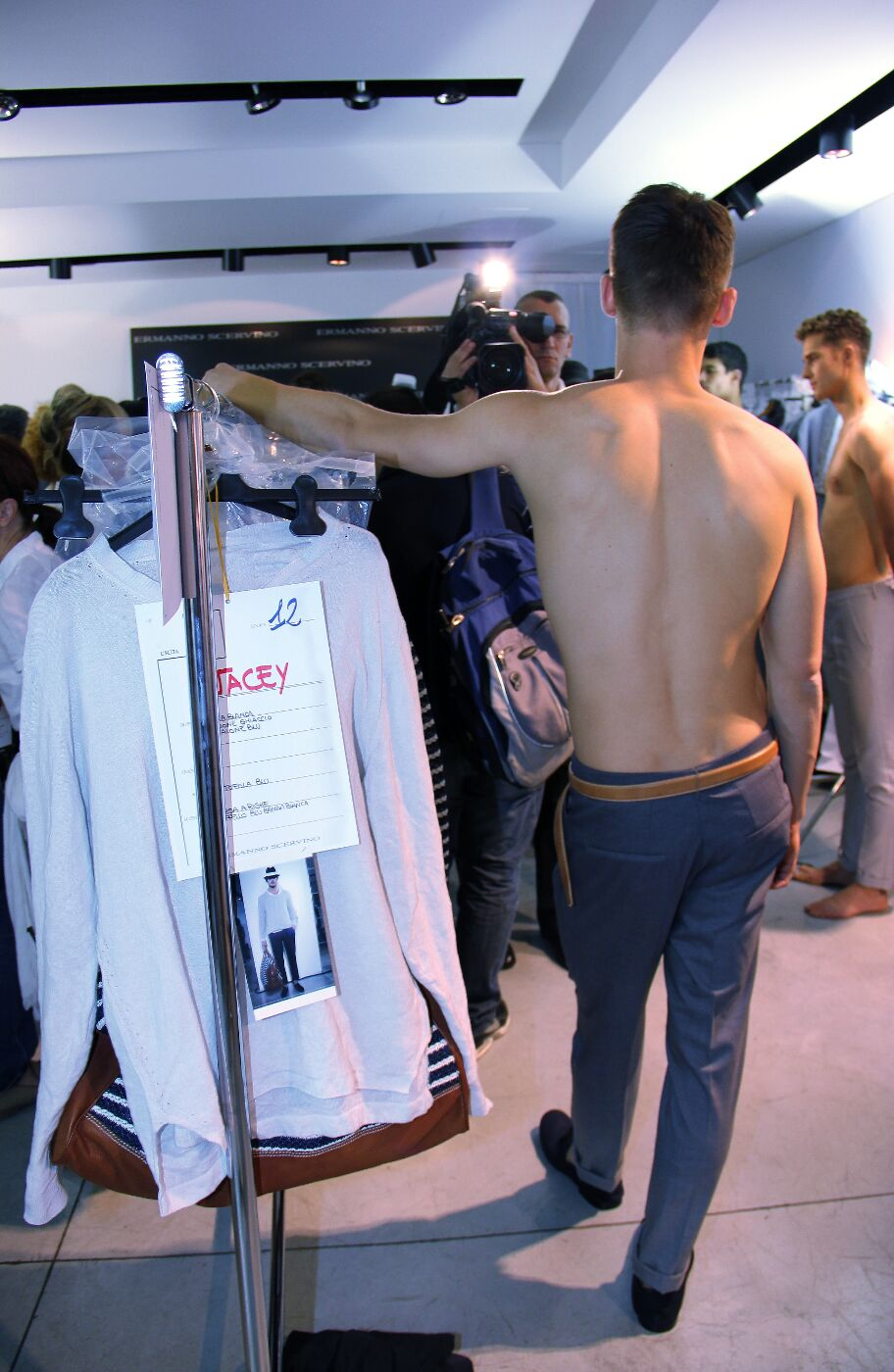 backstage-ermanno-scervino-2012-backstage-spring-summer-2012-milano-fashion-week