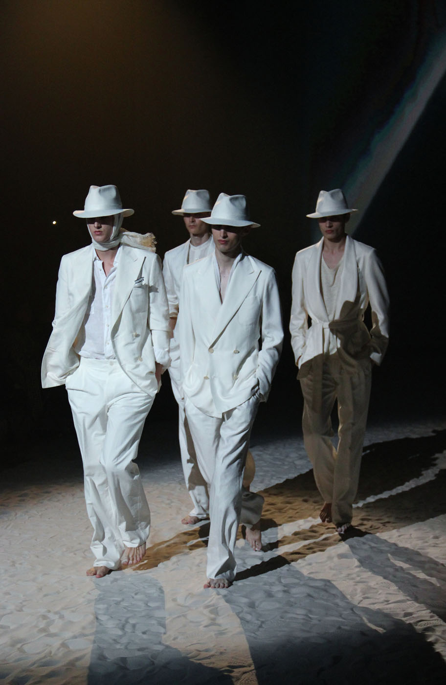 corneliani-spring-summer-2012-men-collection-milano-fashion-week-2012-corneliani-fashion-show-catwalk