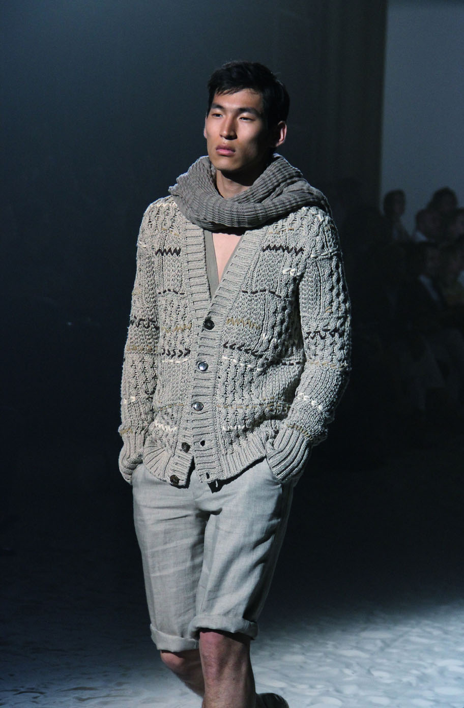 corneliani-spring-summer-2012-men-collection-milano-fashion-week-2012-corneliani-primavera-estate-fashion-show-catwalk