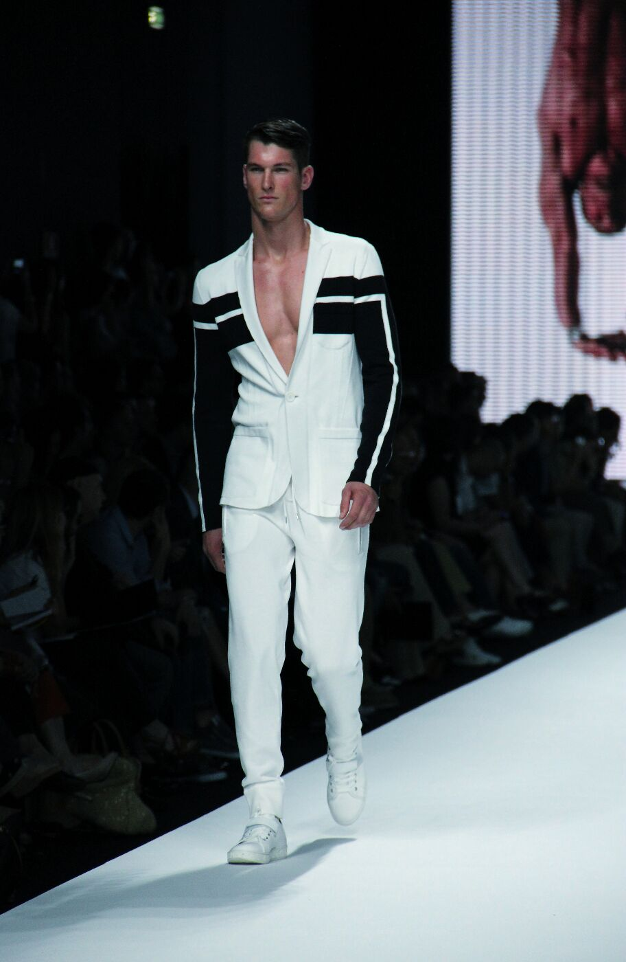 dirk-bikkembergs-sport-couture-spring-summer-2012-men-collection-milano-fashion-week-2012-dirk-bikkembergs-sport-couture-primavera-estate-dirk-bikkembergs-sport-couture-fashion-show-catwalk