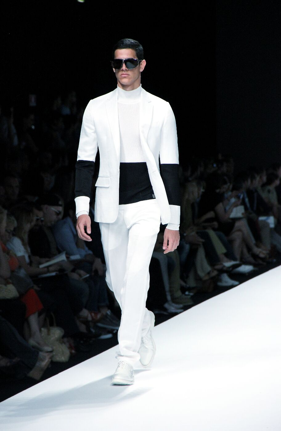 dirk-bikkembergs-sport-couture-spring-summer-2012-men-collection-milano-fashion-week-2012-dirk-bikkembergs-sport-couture-primavera-estate-catwalk-2012