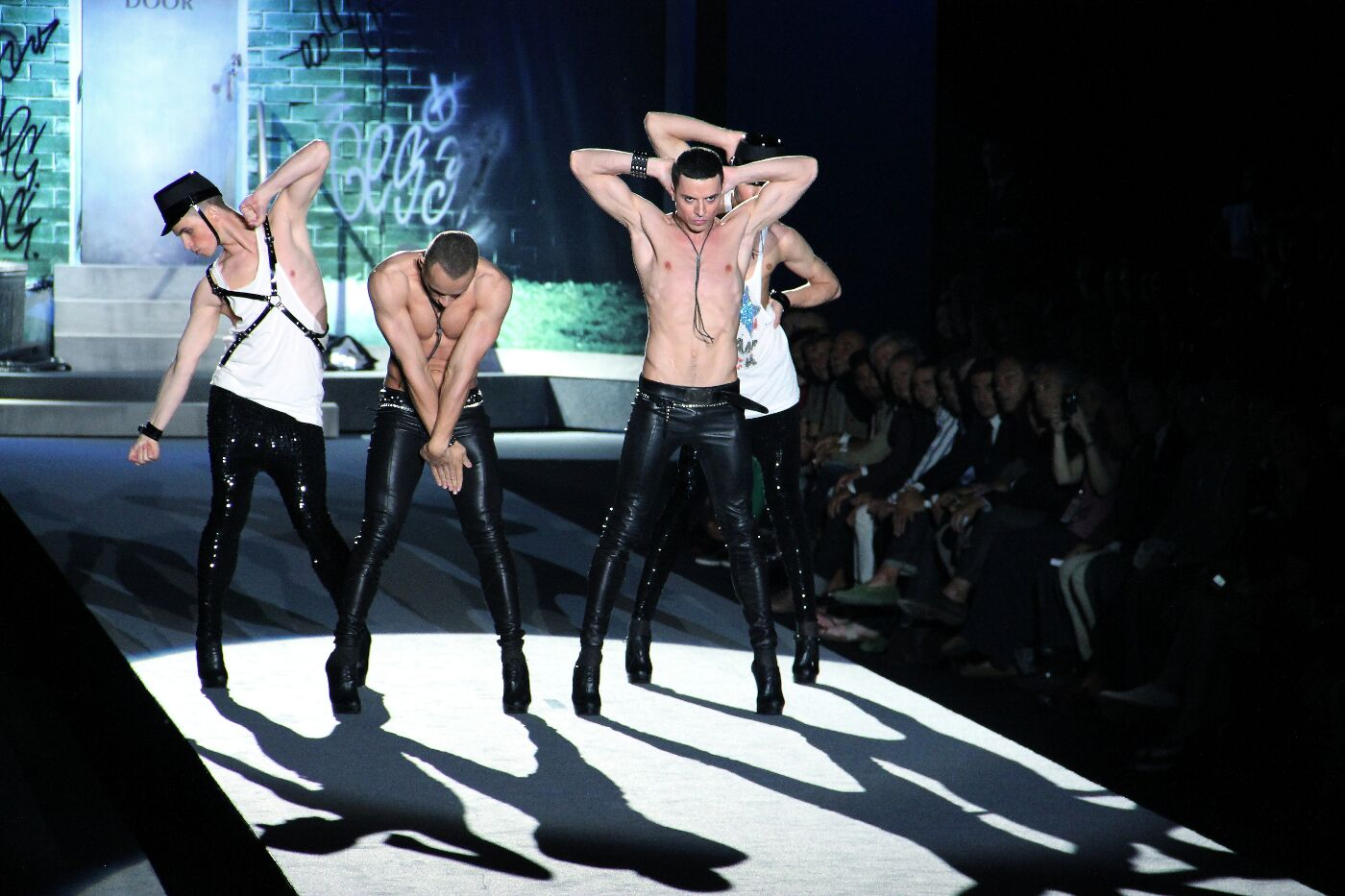 dsquared2-spring-summer-2012-men-collection-milano-fashion-week-2012-dsquared2-primavera-estate-catwalk-2012