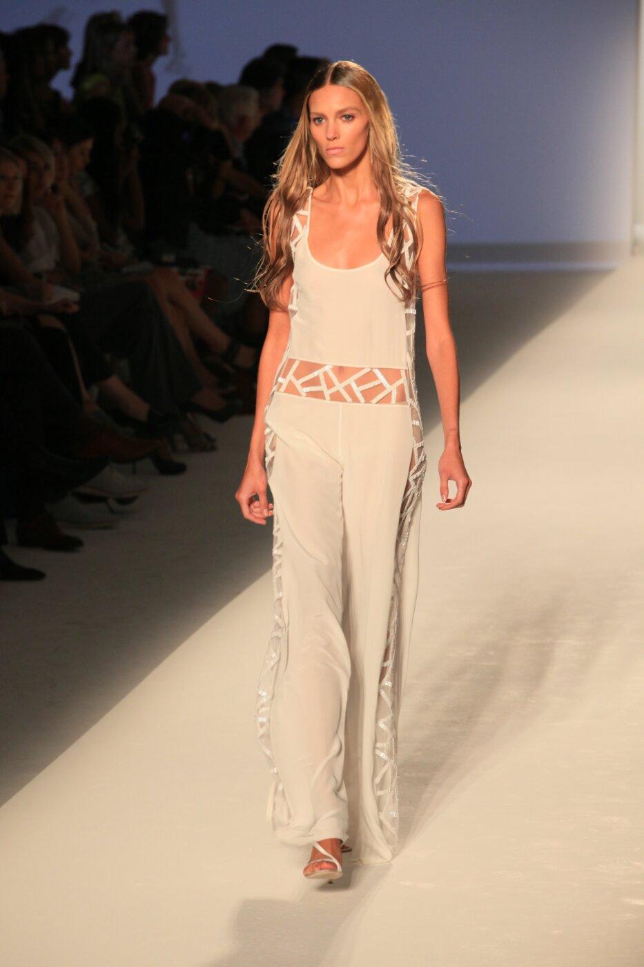 Alberta Ferretti - Spring Summer 2012 Women - Milano Fashion Week