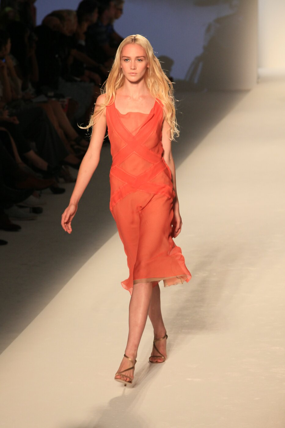 Alberta Ferretti Spring Summer 2012 Women Fashion Show Catwalk