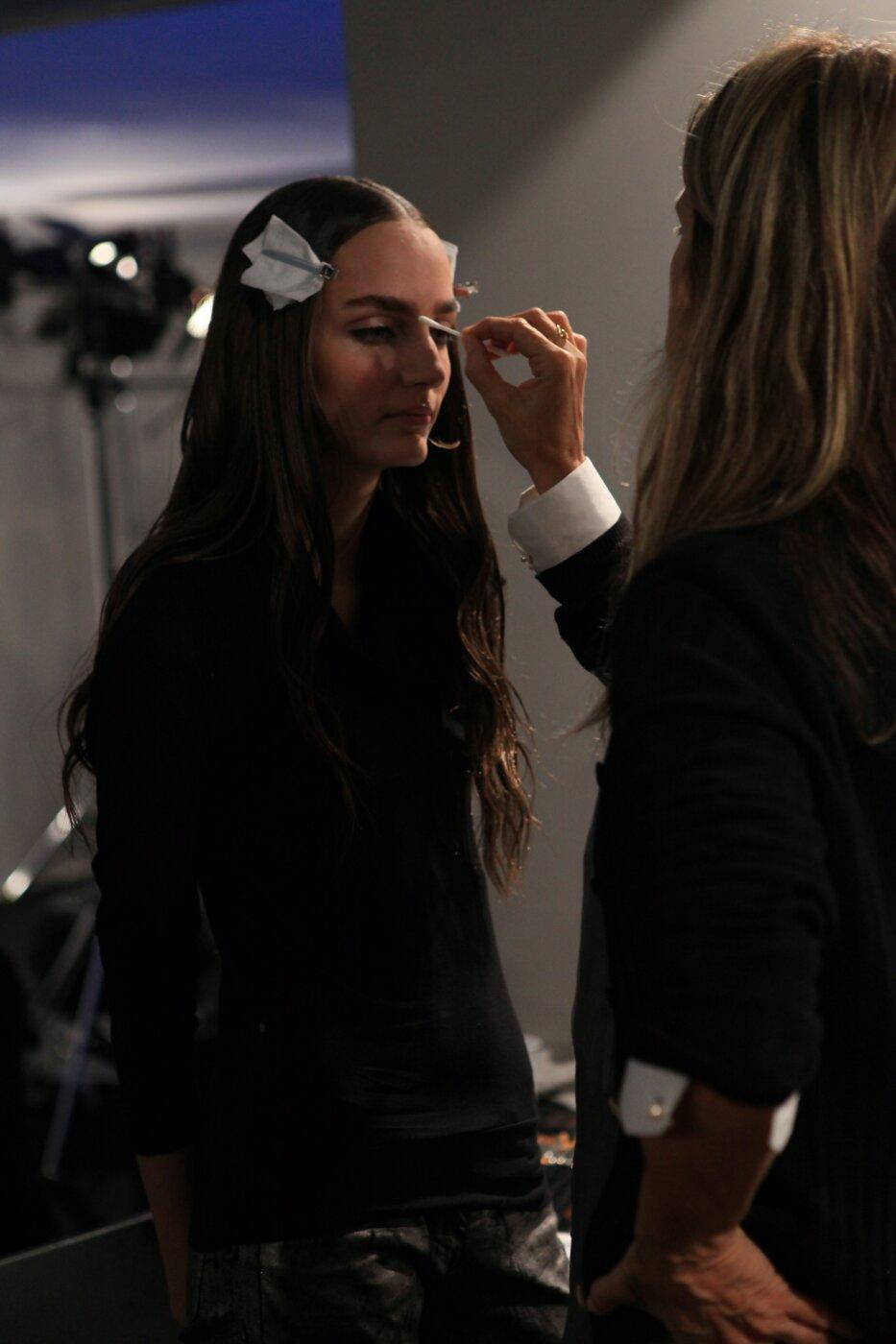 Backstage Alberta Ferretti SS 2012 Women