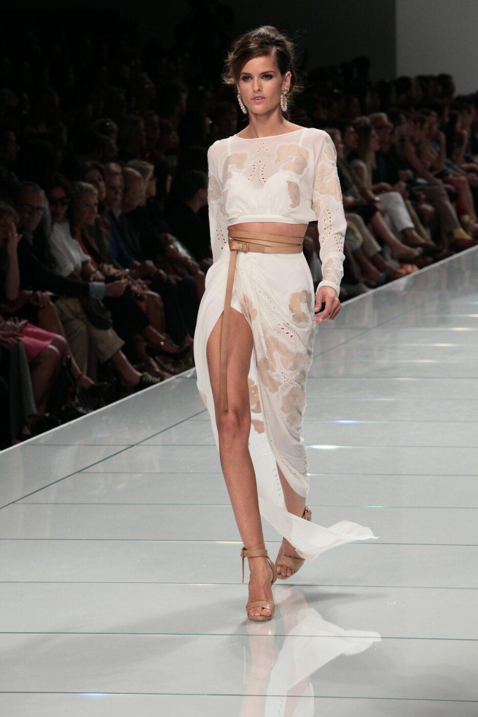 Ermanno Scervino Spring Summer 2012 Women - Fashion-Show - Catwalk