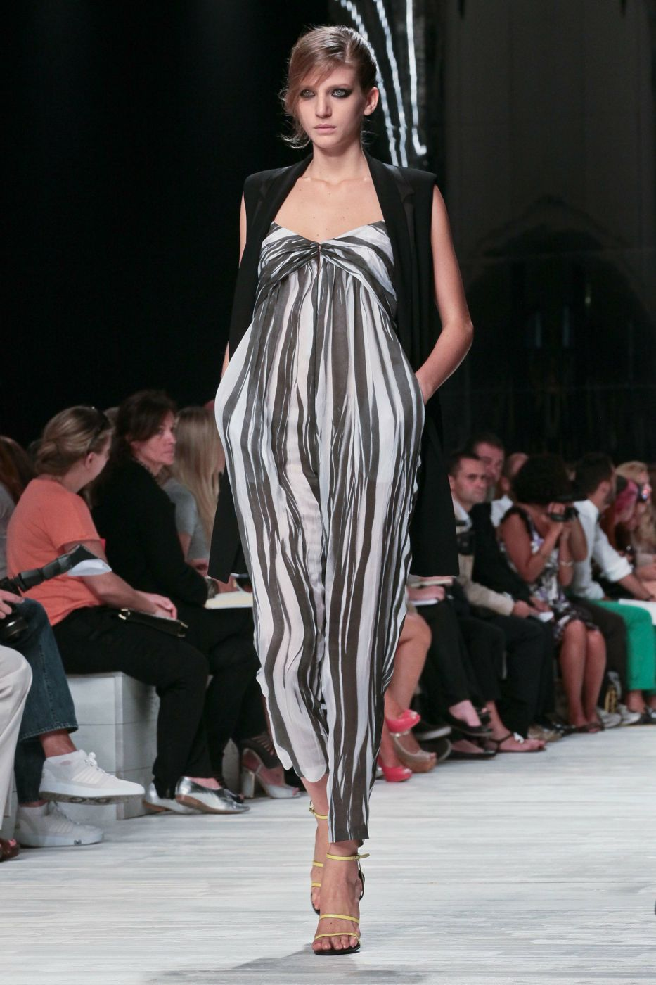 Iceberg Spring Summer 2012 Women - Fashion-Show - Catwalk