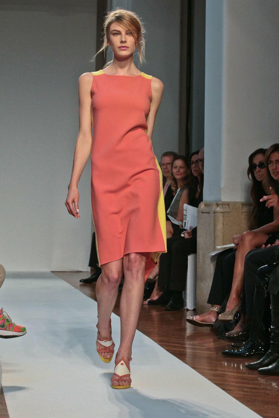 Mila Schon Spring Summer 2012 Women Catwalk