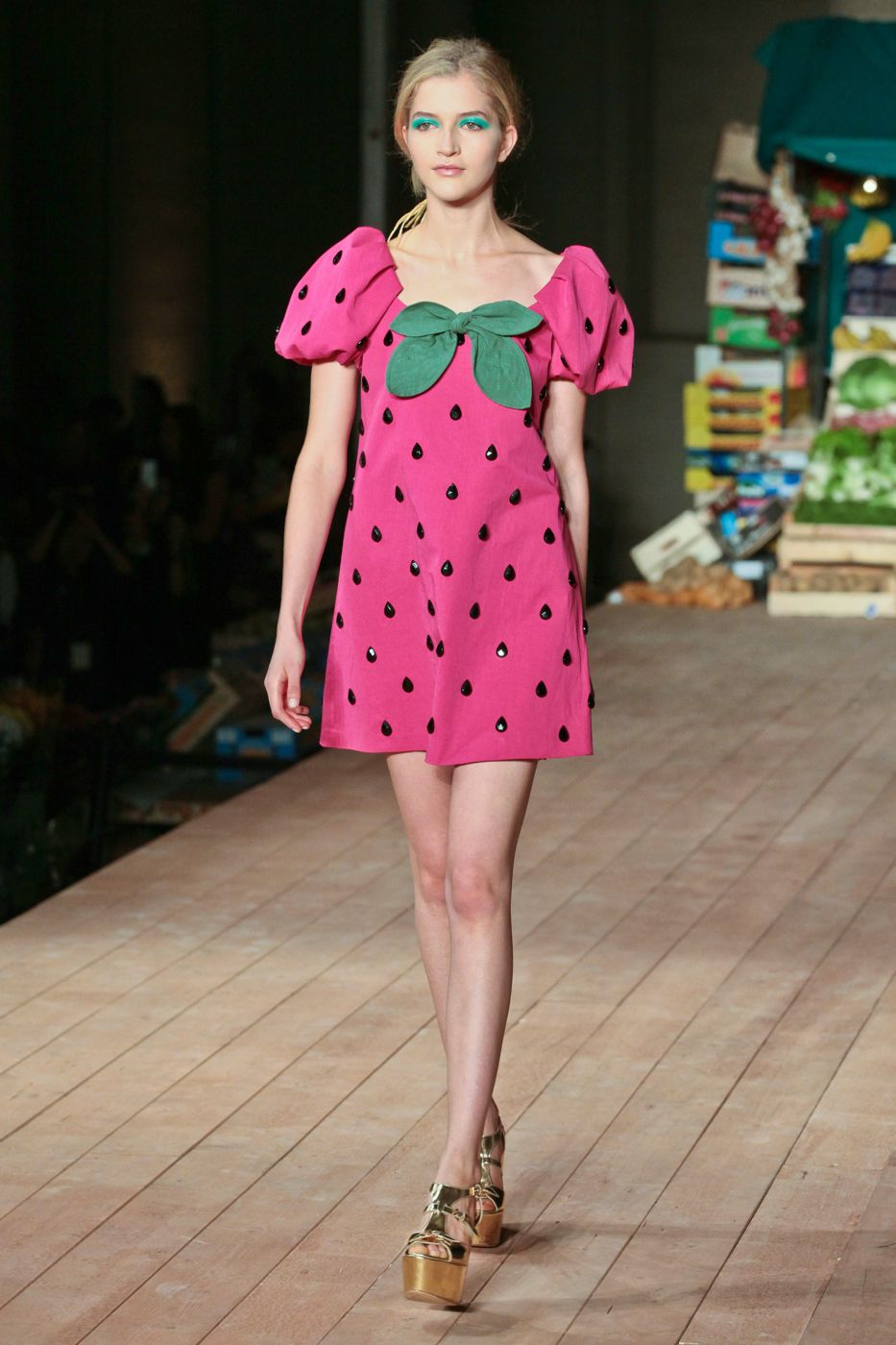 Moschino Cheap & Chic S/S 2012 - Milano Fashion Week