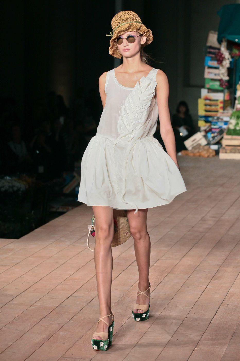 Moschino Cheap & Chic- Spring Summer 2012 Women