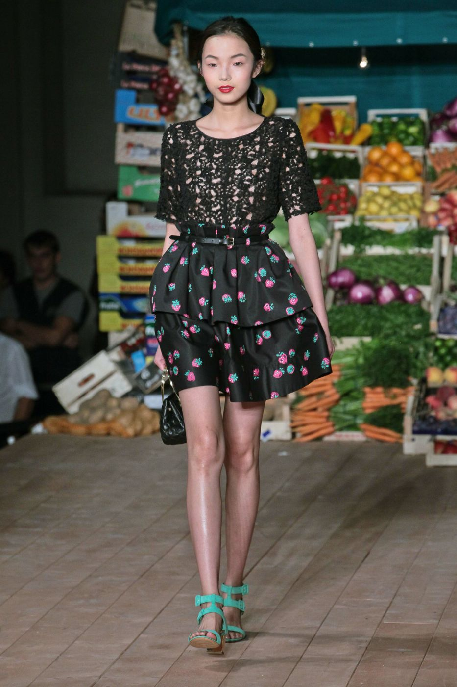 Moschino Cheap & Chic Spring Summer 2012 Women Fashion Show
