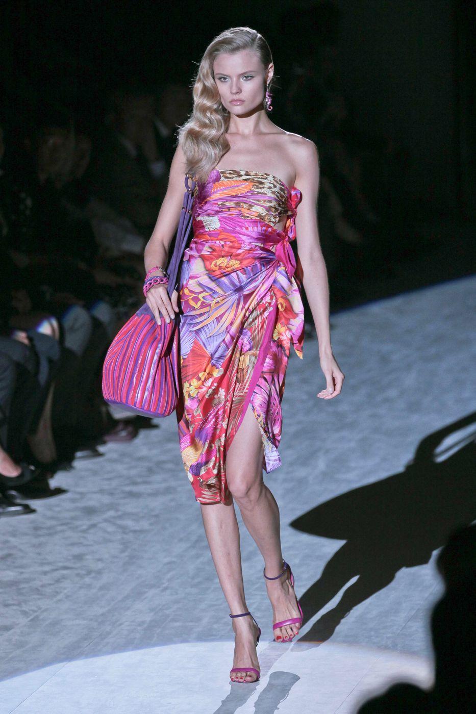 Salvatore Ferragamo Spring Summer 2012 Women - Fashion-Show - Catwalk