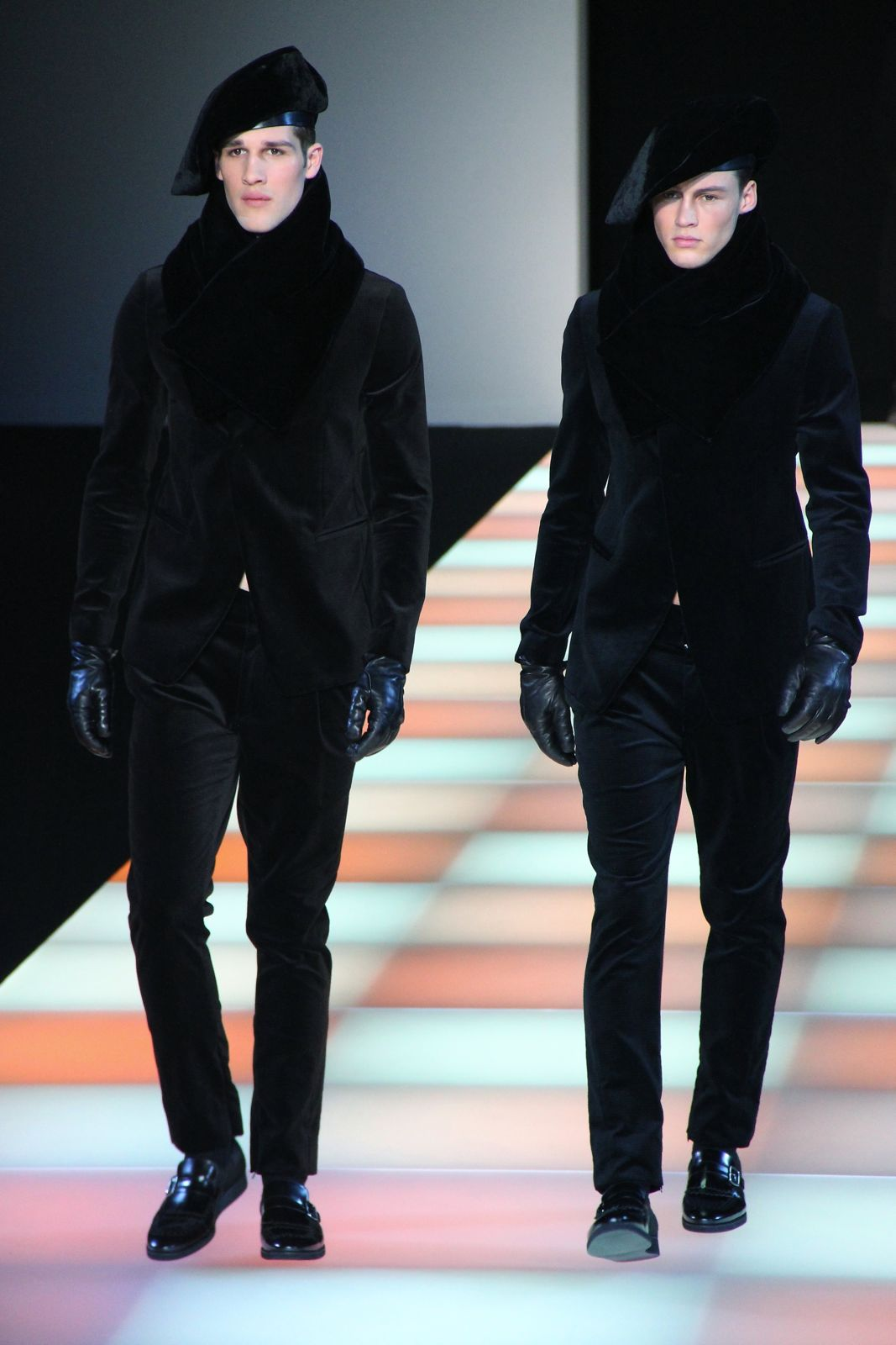 Emporio Armani Fall Winter 2012-2013 Men Fashion Show