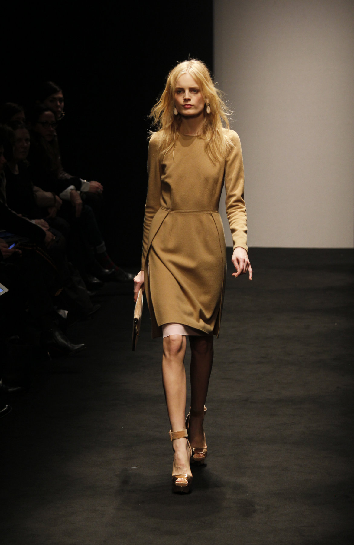 Catwalk Alessandro Dell'Acqua Fall-Winter 2012-2013 Women Fashion Show - Milano Fashion Week