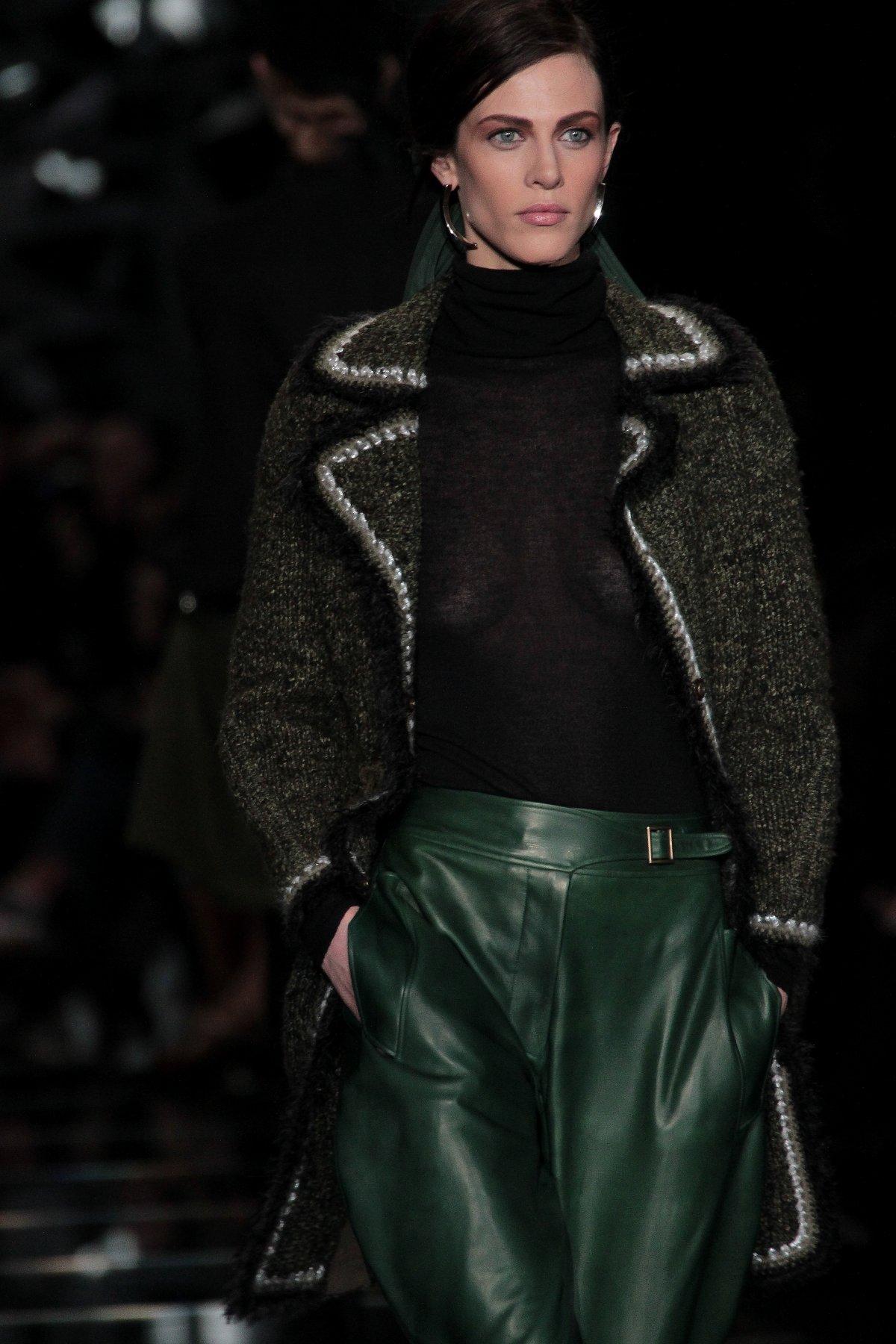 Catwalk Ermanno Scervino Fall-Winter 2012-2013 Women Fashion Show