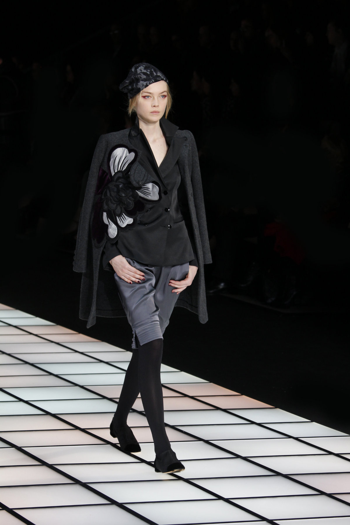 Emporio Armani Fall Winter 2012-2013 Women Fashion Show