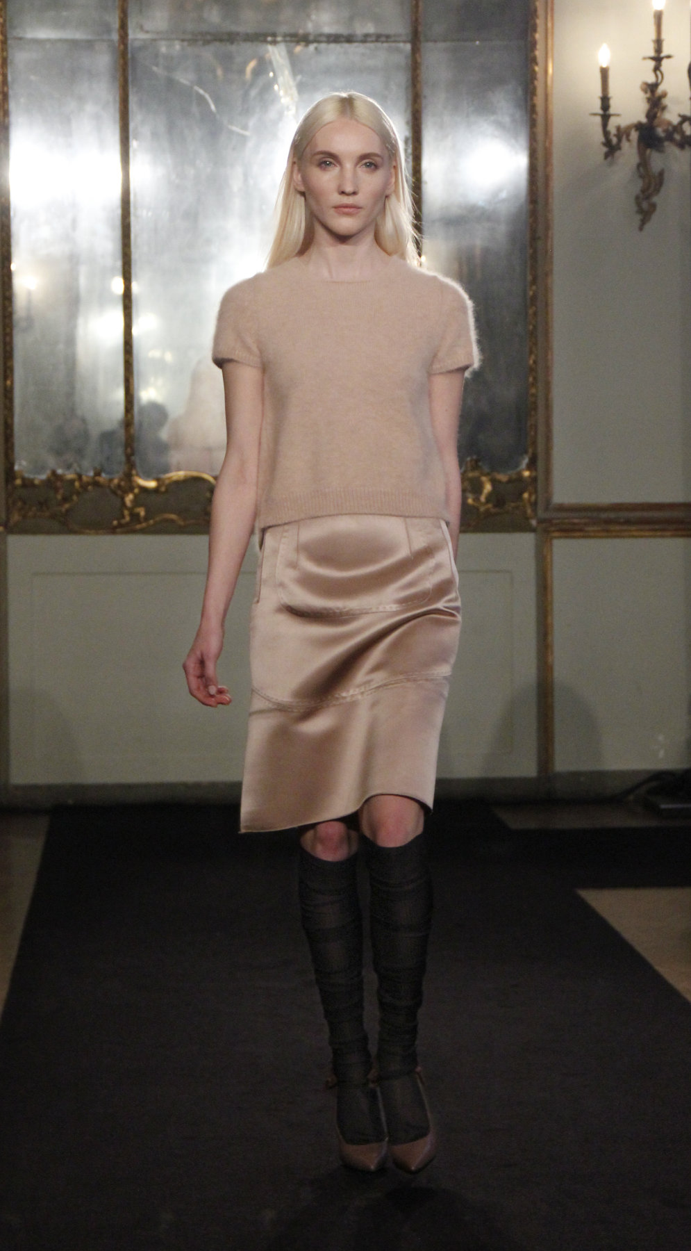 Les Copains Fall-Winter 2012-2013 Women Fashion Show