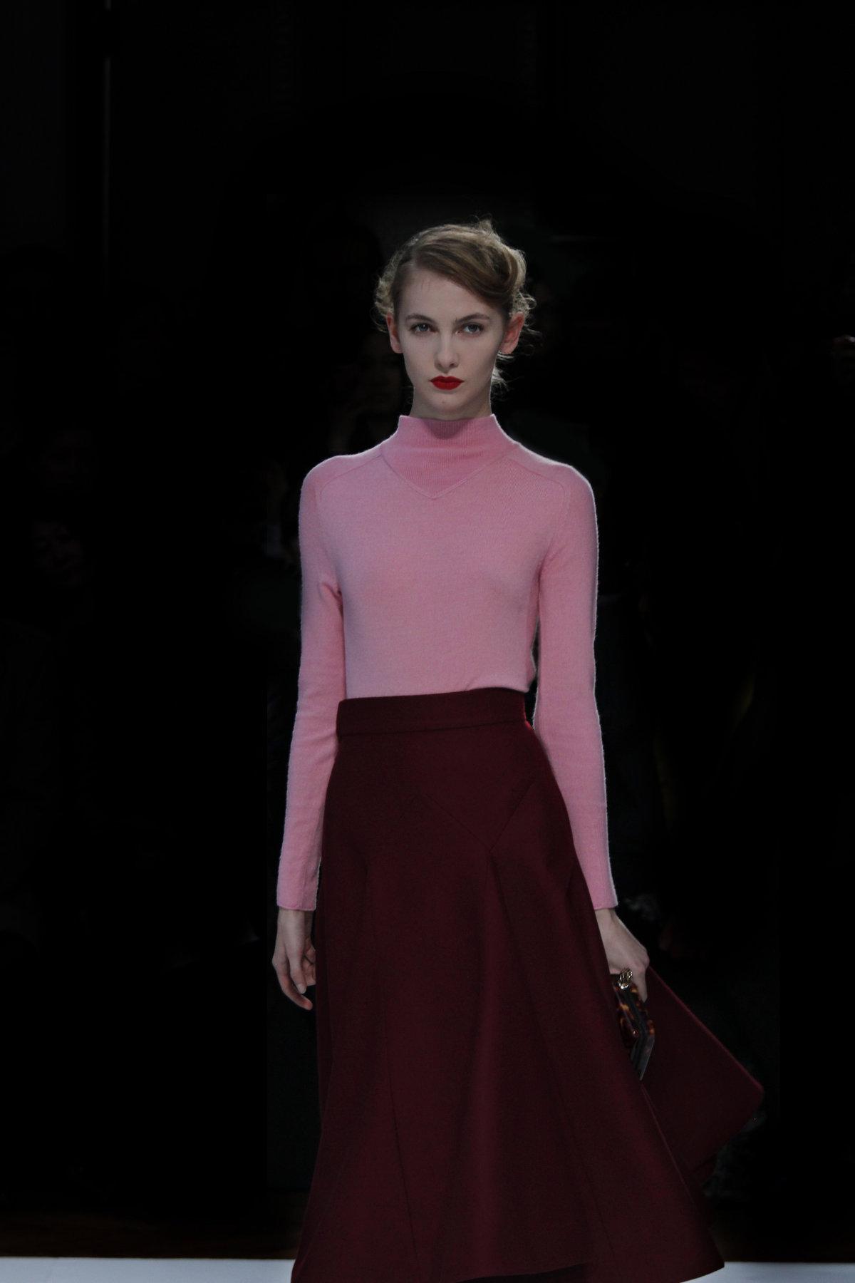 Milan Fashion Week 2012 Mila Schön Woman