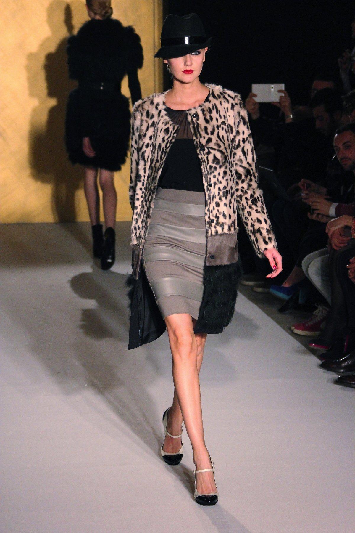 Paola Frani Runway