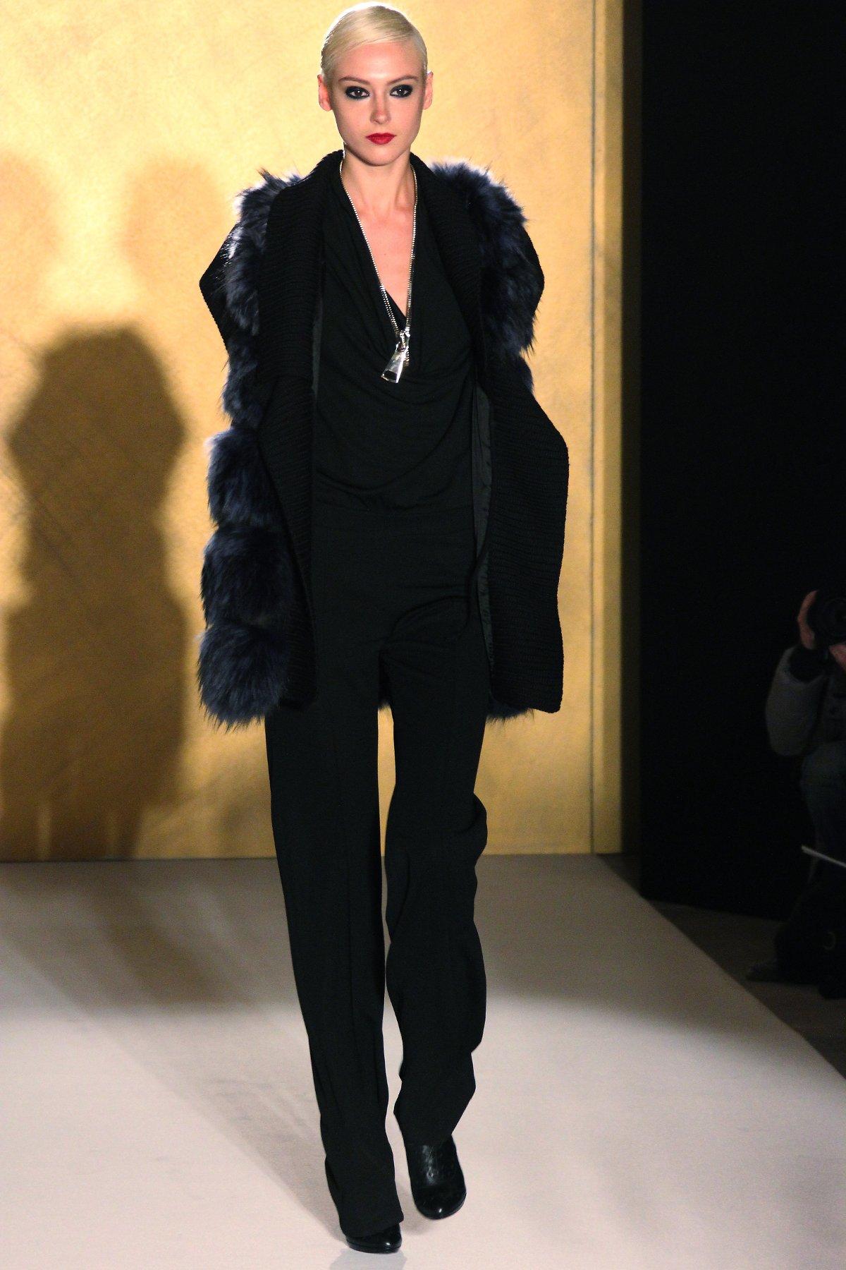 Woman Fashion Catwalk Paola Frani