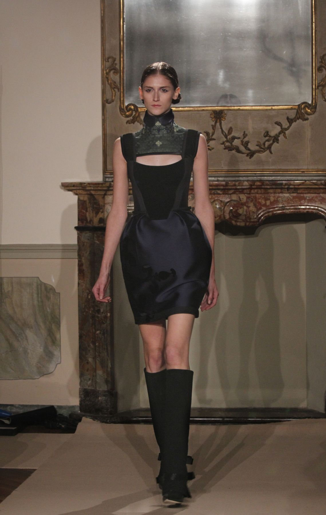 Catwalk Aquilano Rimondi Fall-Winter 2012-2013 Women's Collection Fashion Show Catwalk-Milano Fashion Week