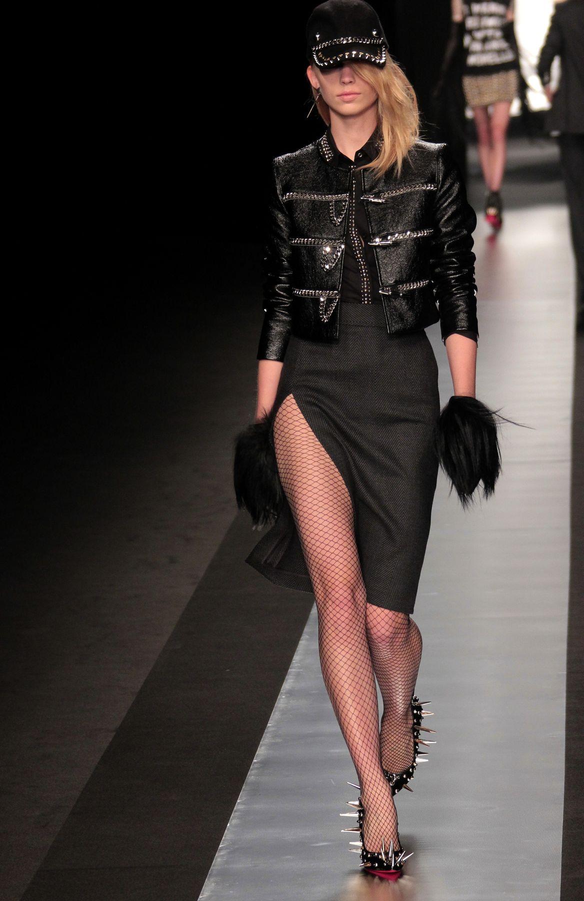Catwalk Frankie Morello Fall-Winter 2012-2013 Women's Collection Fashion Show Catwalk-Milano Fashion Week