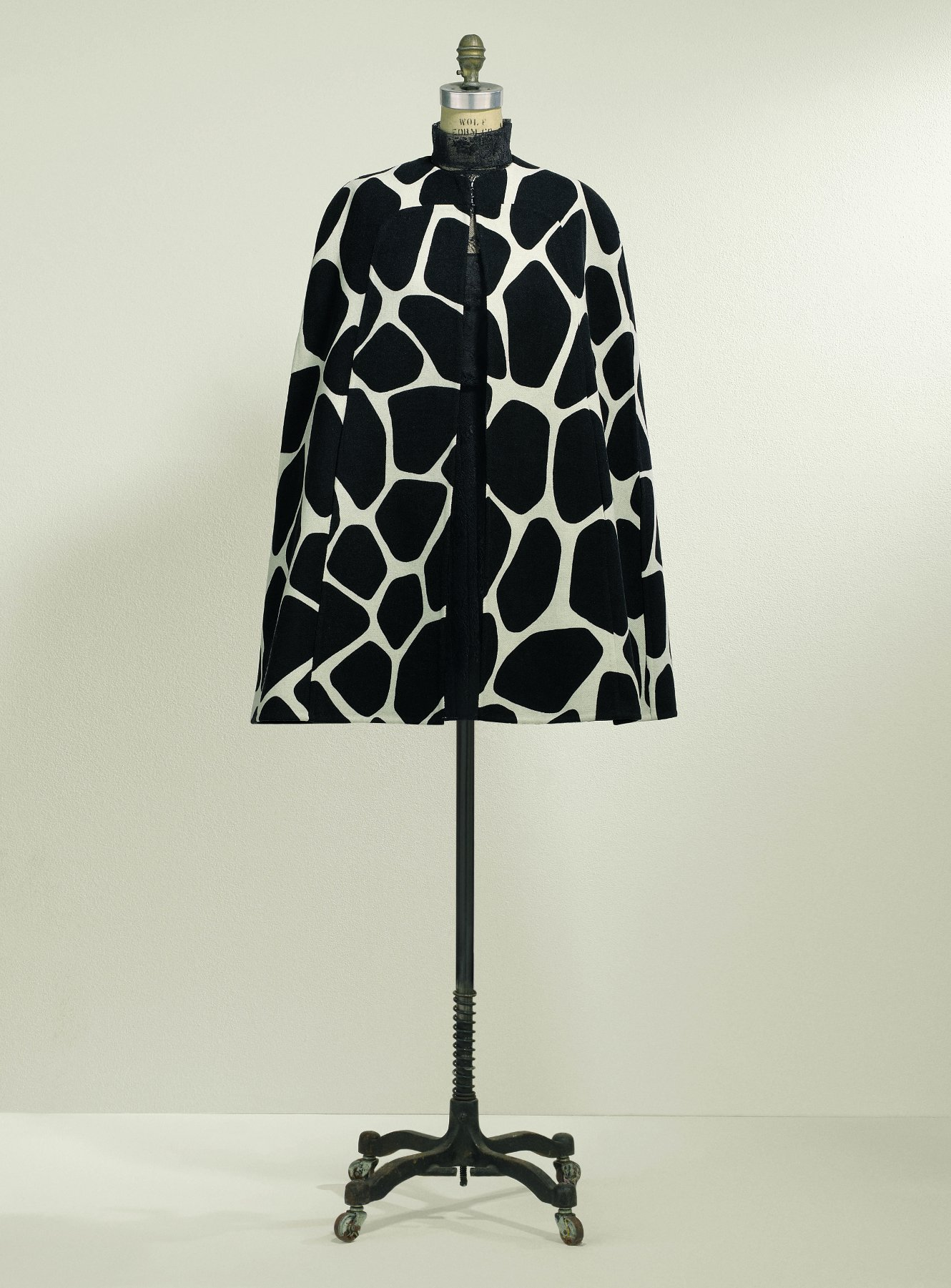 Valentino 50th Anniversary Caspule Collection - Giraffe