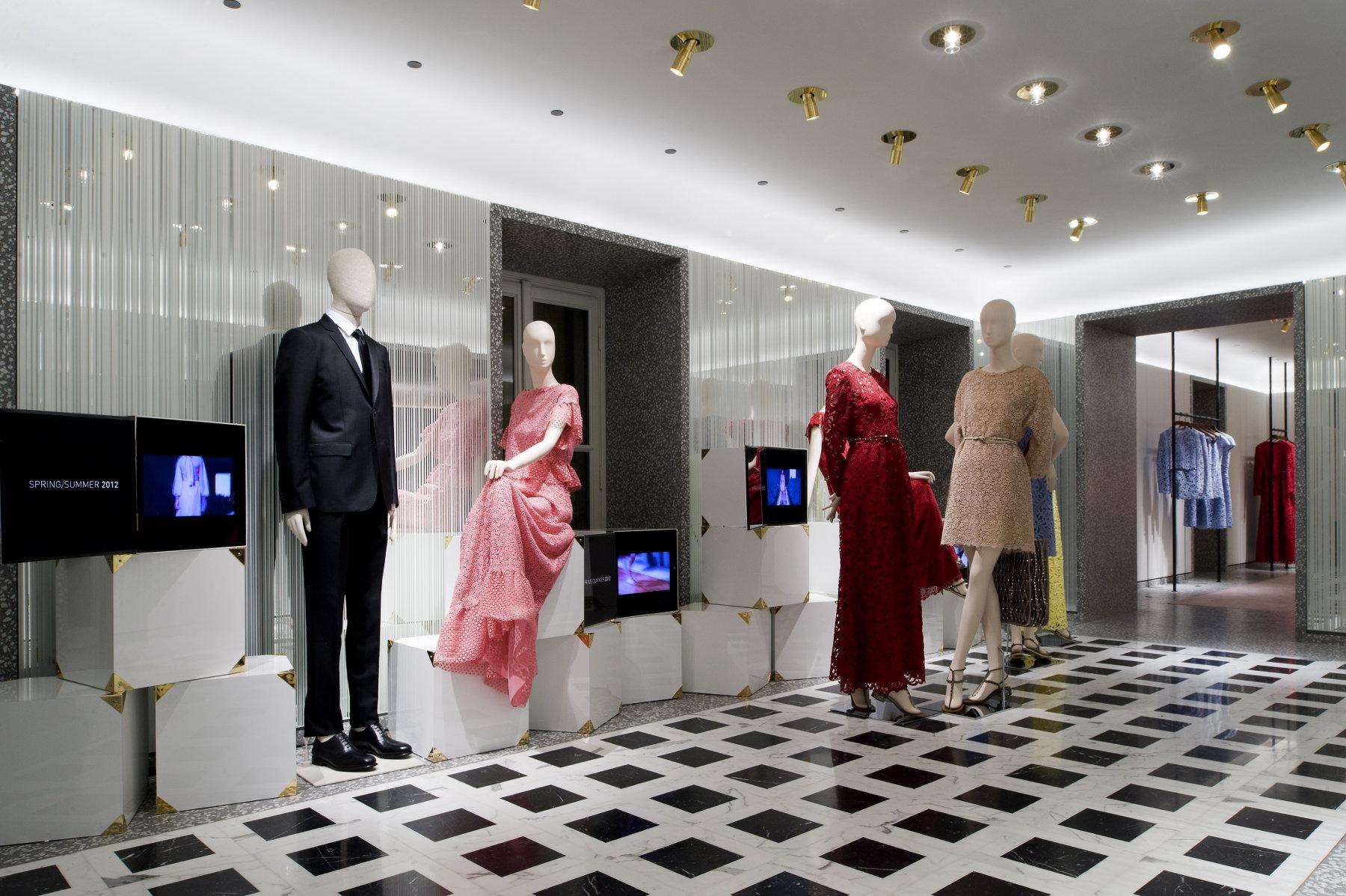 Valentino - Via Montenapoleone - New Store Concept