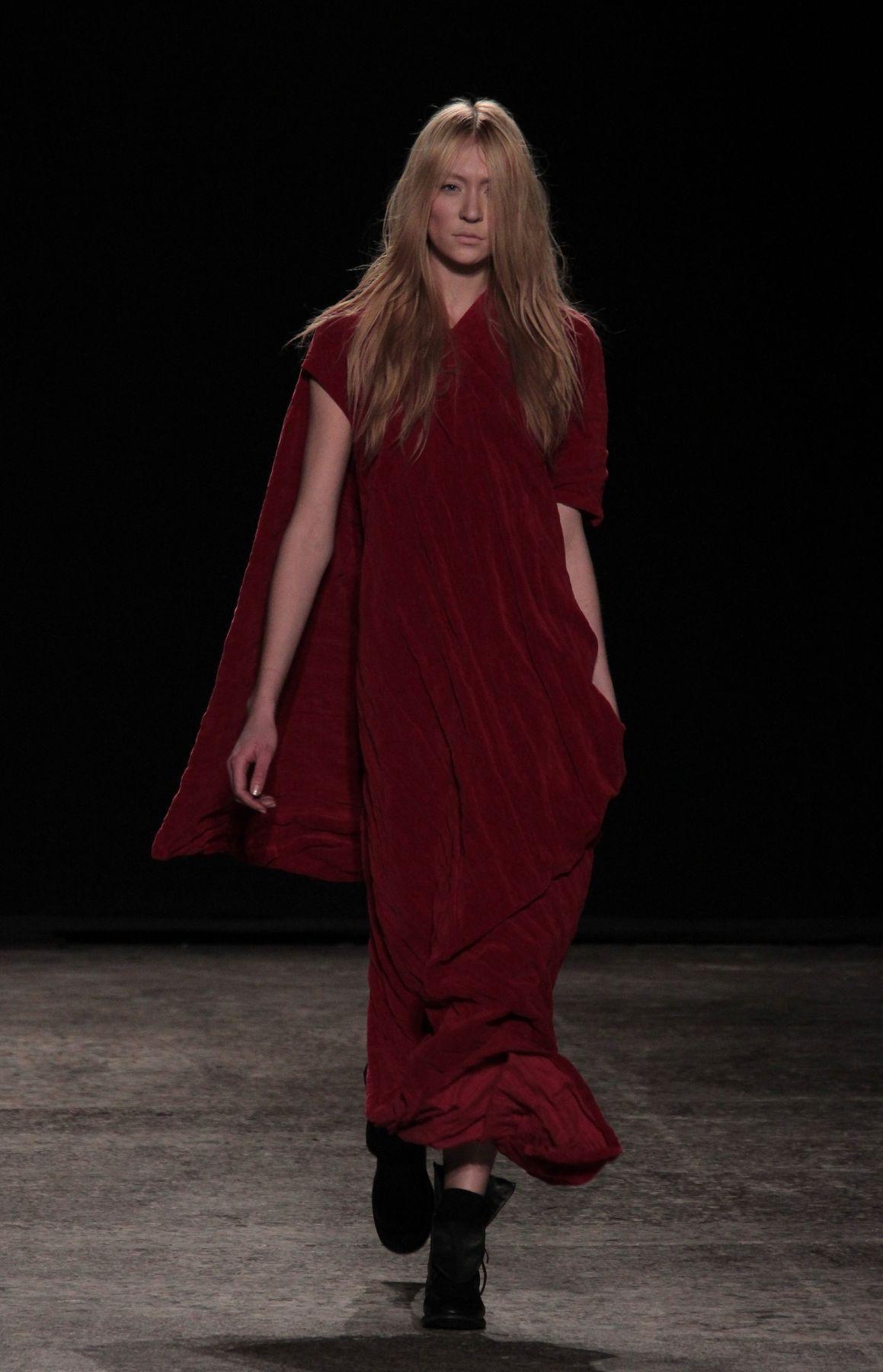 Woman Fashion Catwalk-Uma-Wang