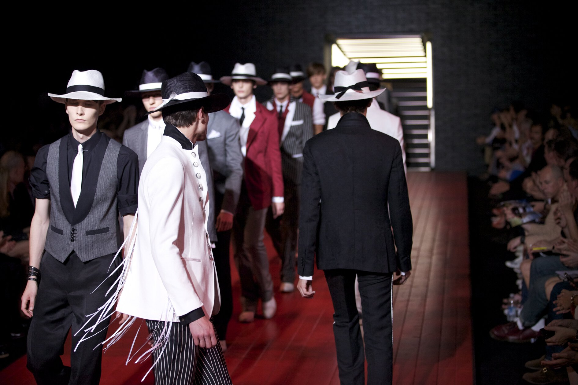 John Varvatos Spring Summer 2013 Men Collection Milano Fashion Week Runway Finale Details