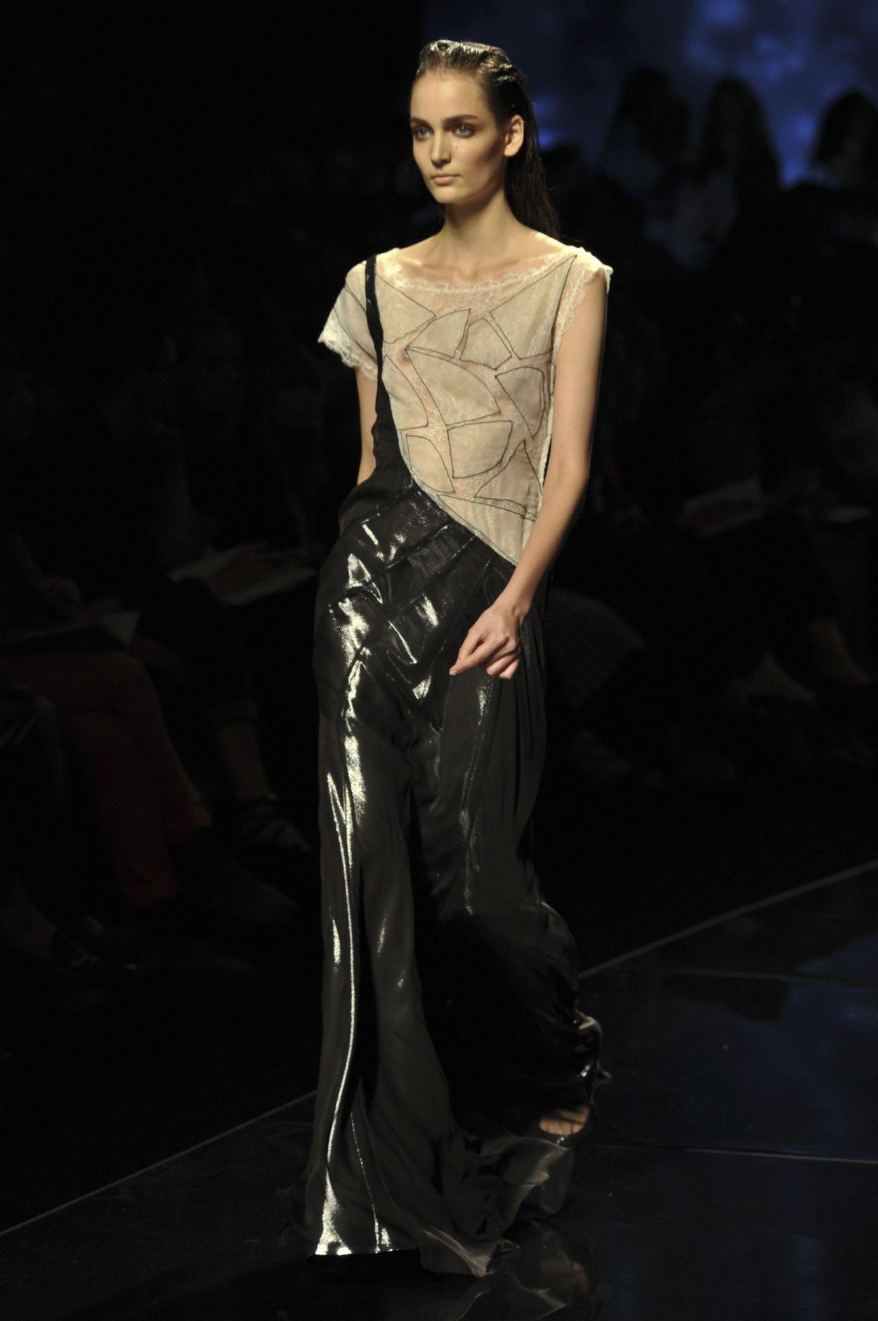 Alberta Ferretti Spring 2013 Women Fashion Show