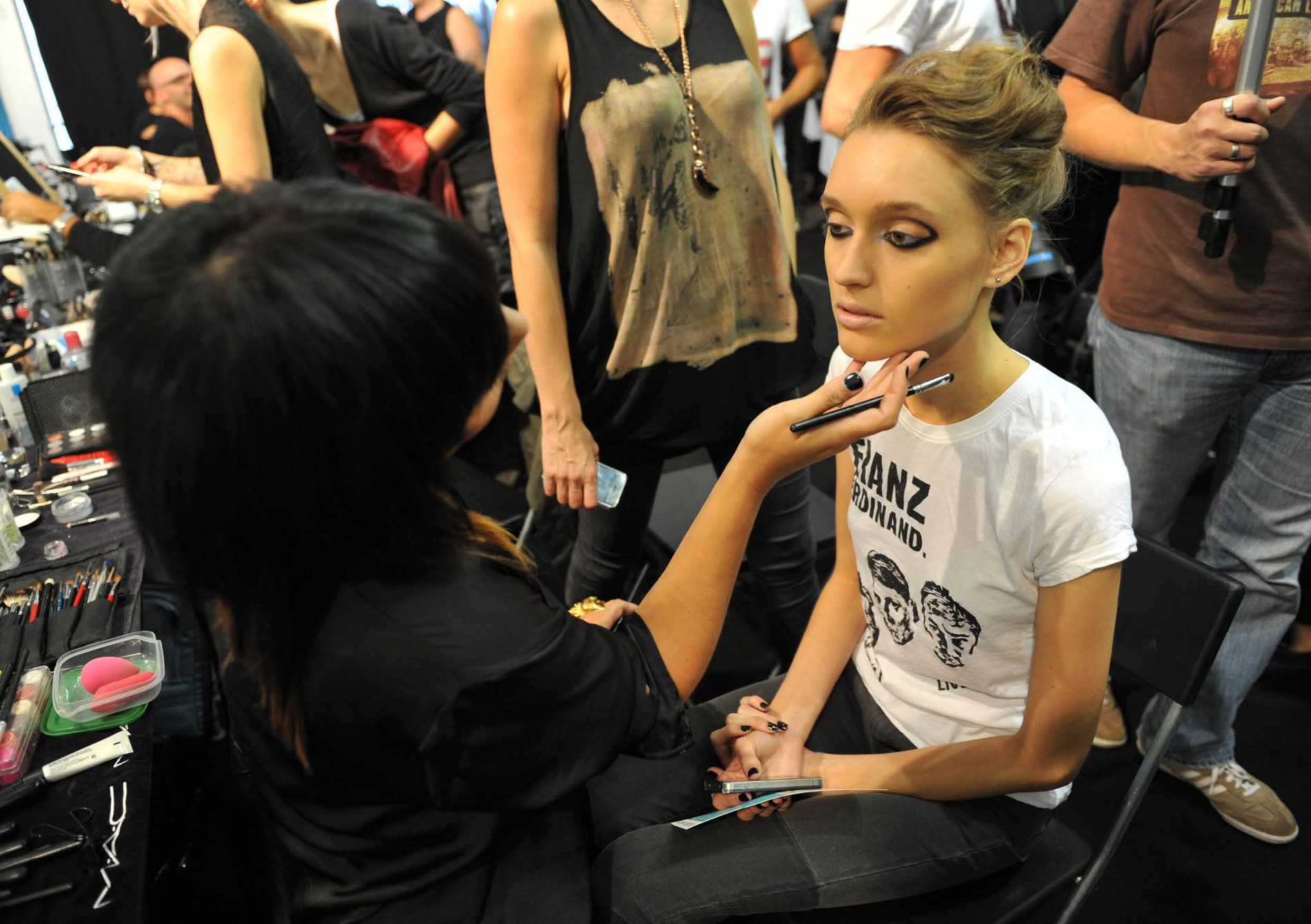 Antonio Marras Backstage Makeup