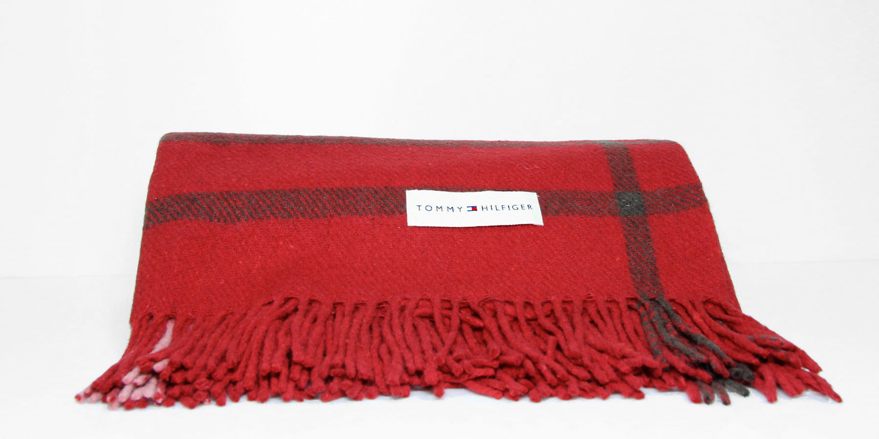 Tommy Hilfiger Plaid - Christmas Giveaway
