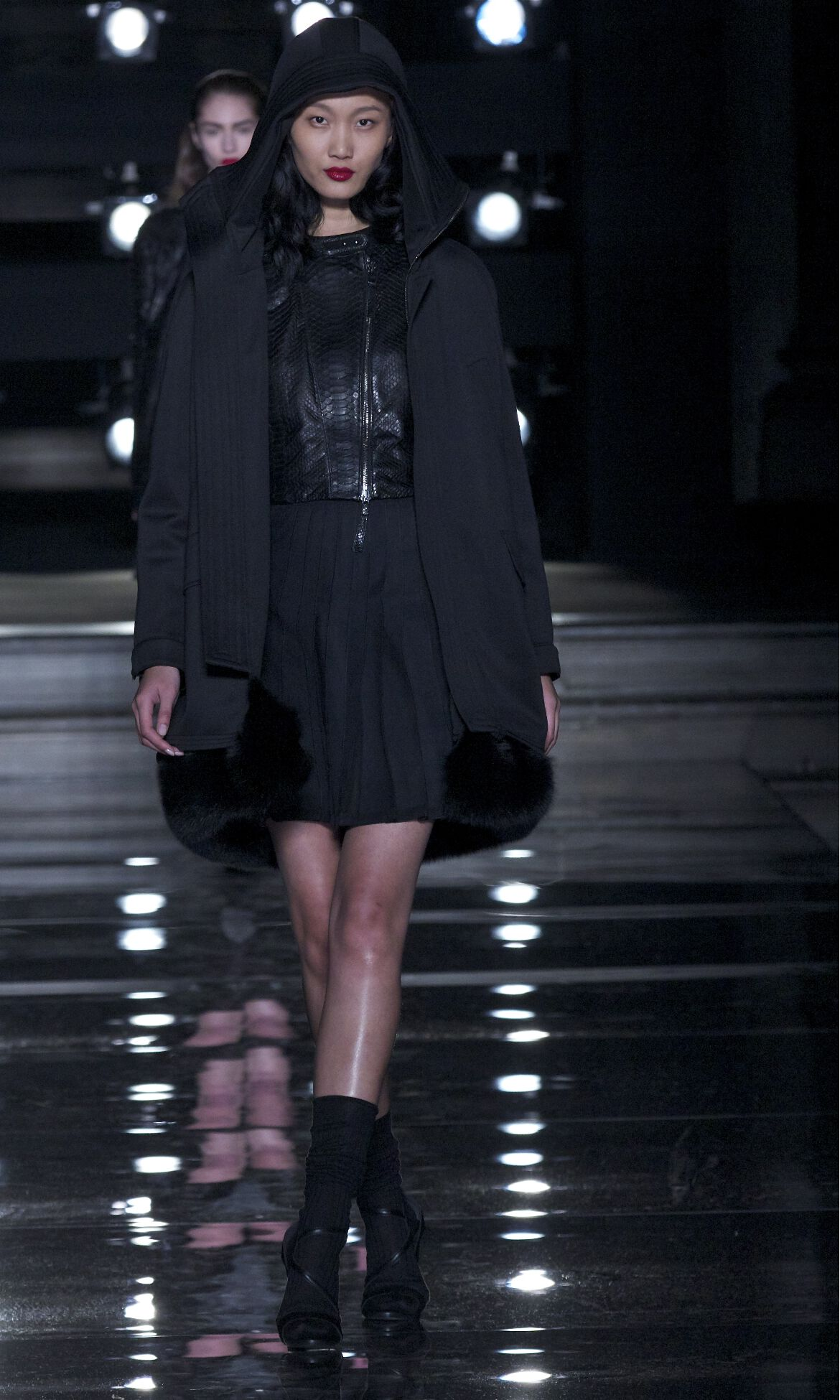 Catwalk Ermanno Scervino Fashion Show Winter 2013 2014 Pre Collection