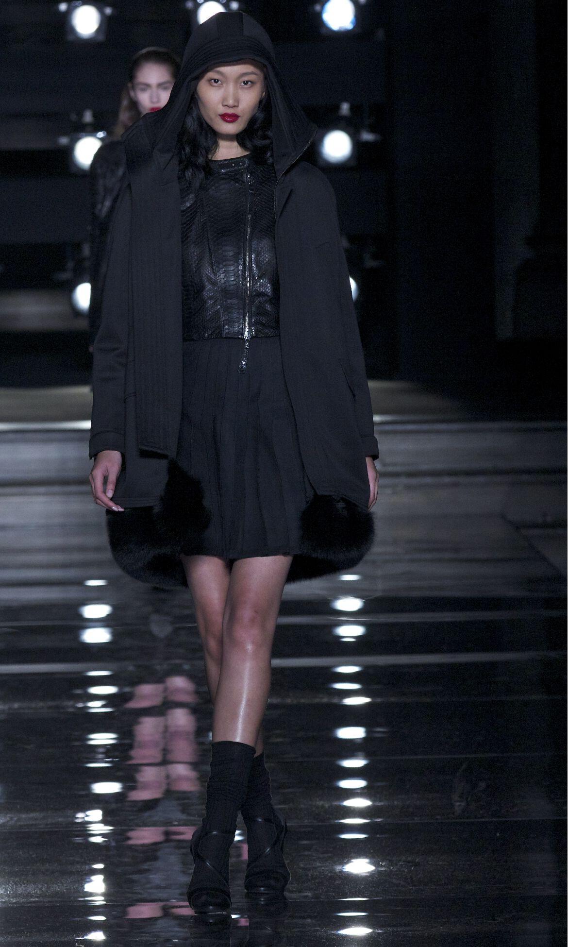 Catwalk Ermanno Scervino Fashion Show Winter 2013 2014 Pre Collection