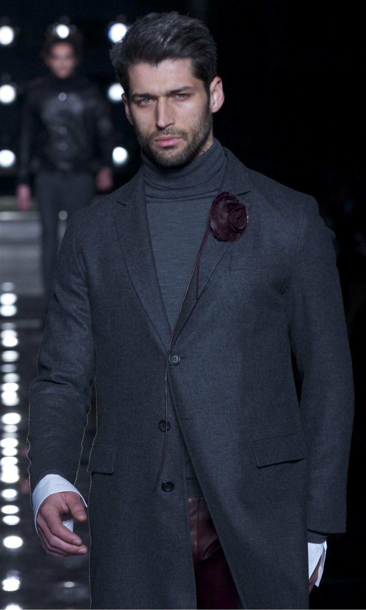 Ermanno Scervino Fashion Show Winter 2013 Model