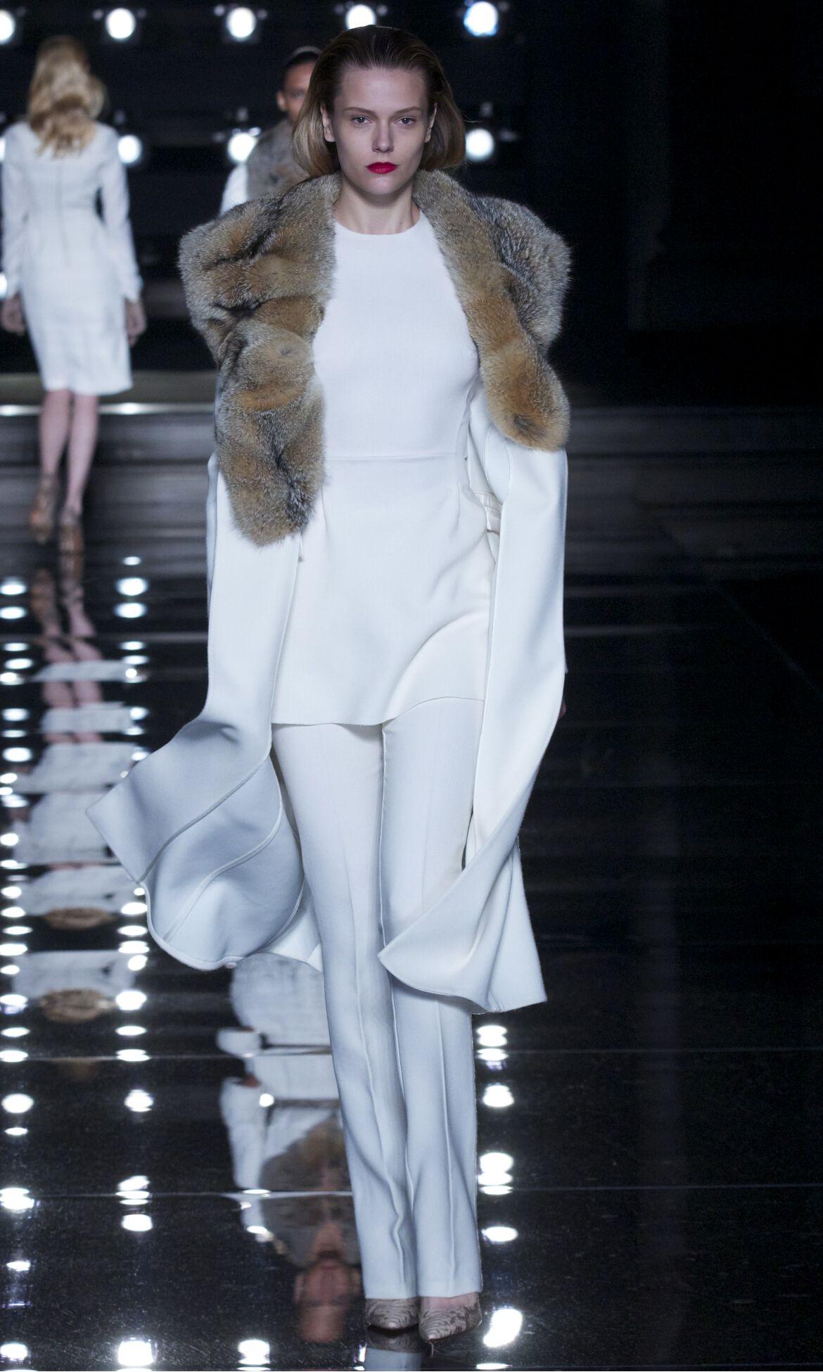 Fashion Model Ermanno Scervino Catwalk