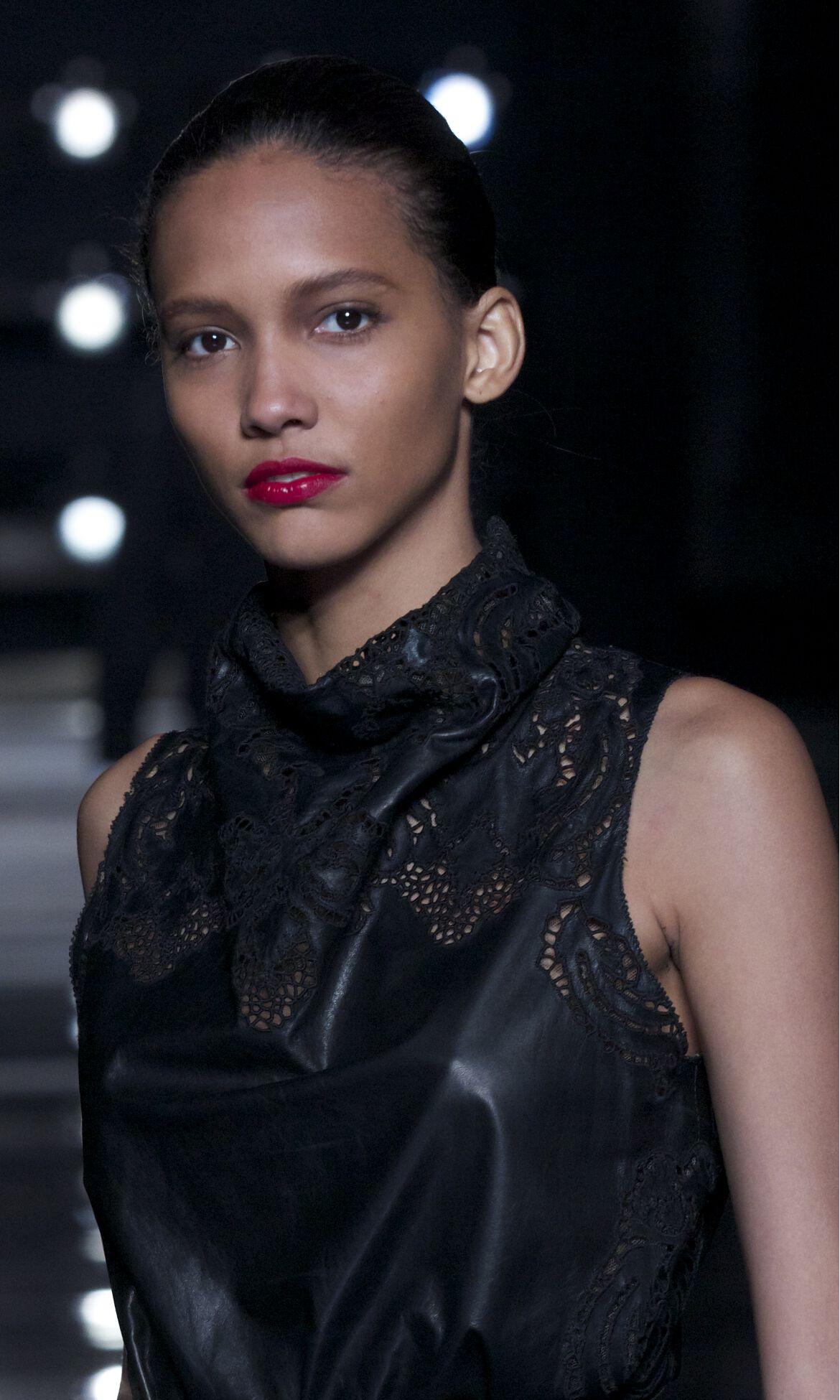 Fashion Woman Catwalk Detail Scervino