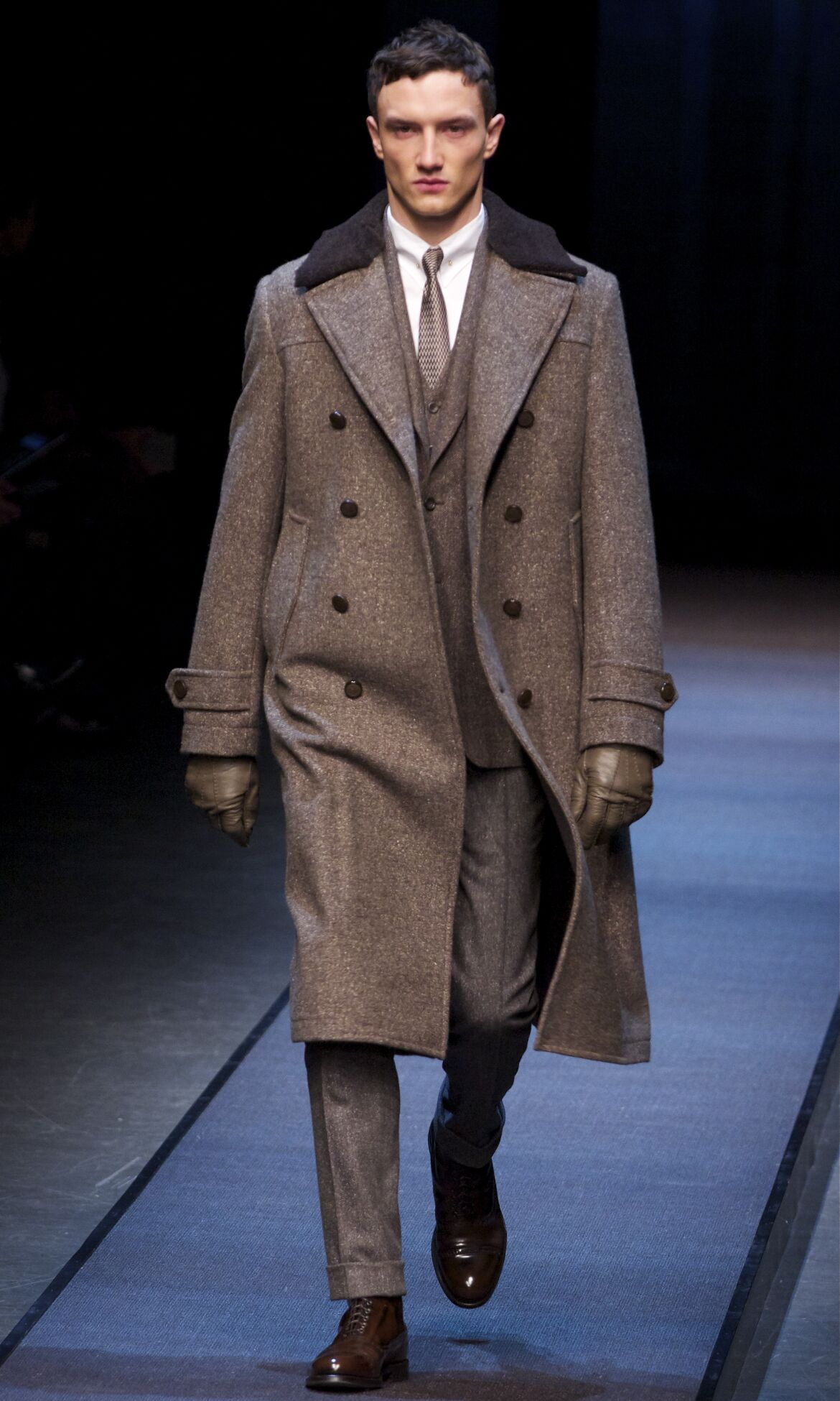 Catwalk Canali Fall Winter 2013 14 Men Collection Milan Fashion Week