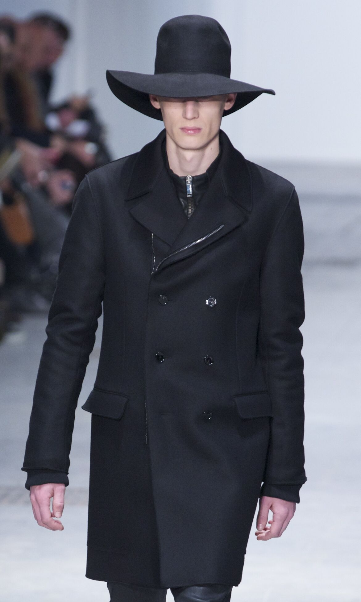Catwalk Costume National Fall Winter 2013 14 Men Collection Milan Fashion Week