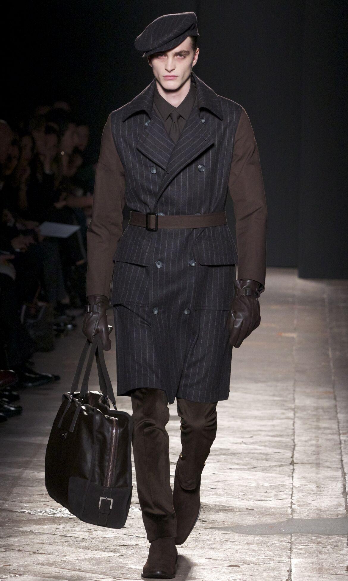 Fashion Man Model Daks Catwalk