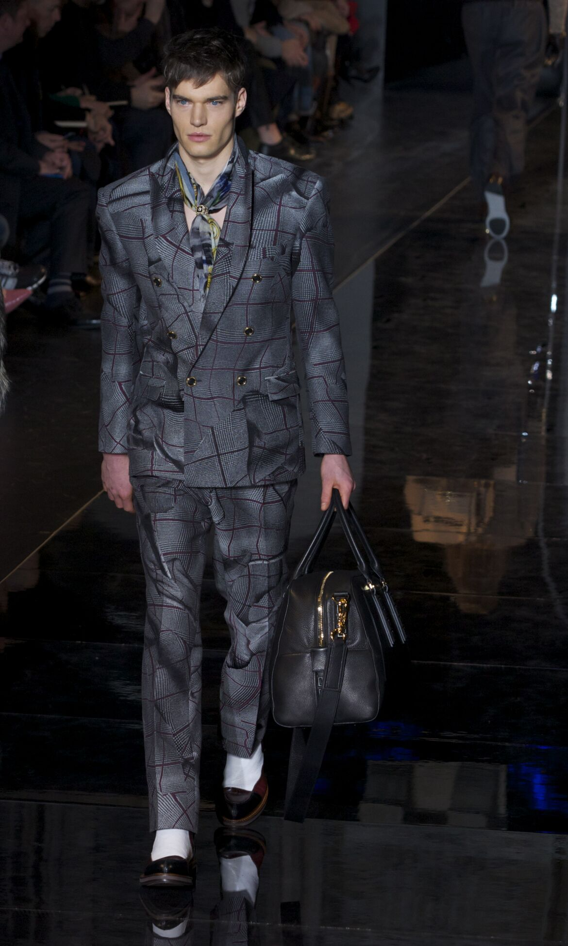 Runway Versace Fall Winter 2013 14 Men Collection Milan Fashion Week