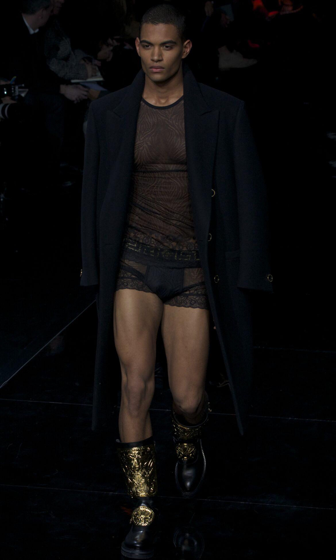 Versace Fall 2013 Catwalk