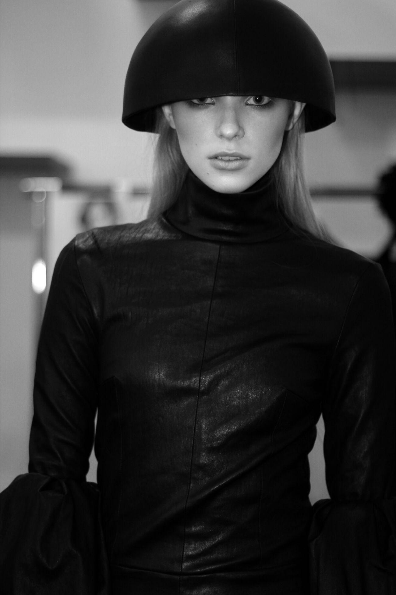 Backstage Mila Schön Fashion Model