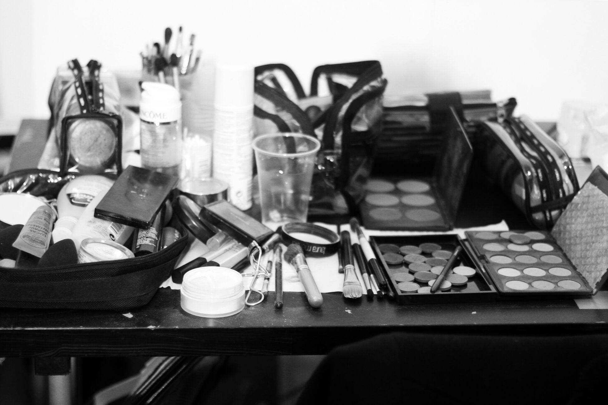 Backstage Mila Schön Makeup