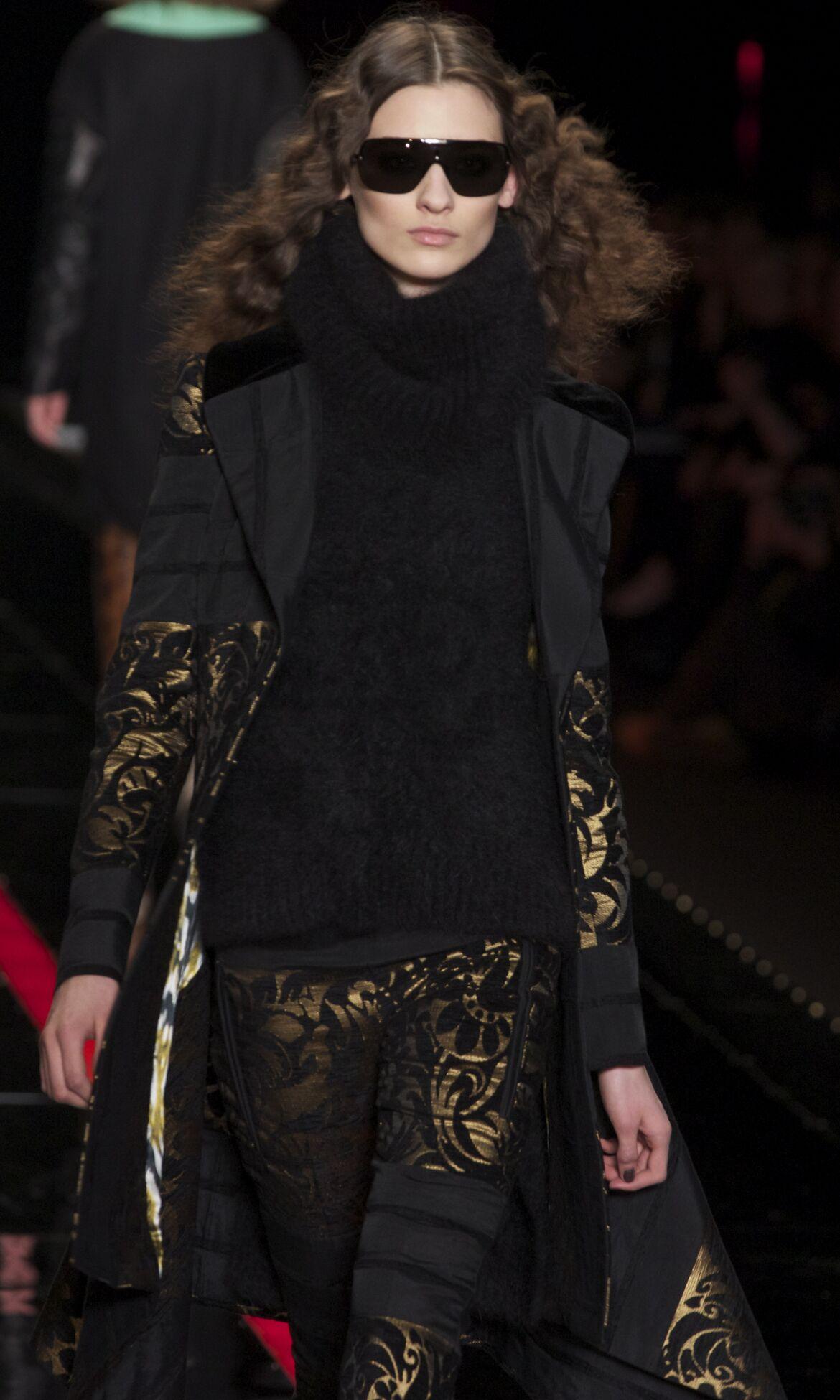 Fashion Woman Model Just Cavalli Catwalk