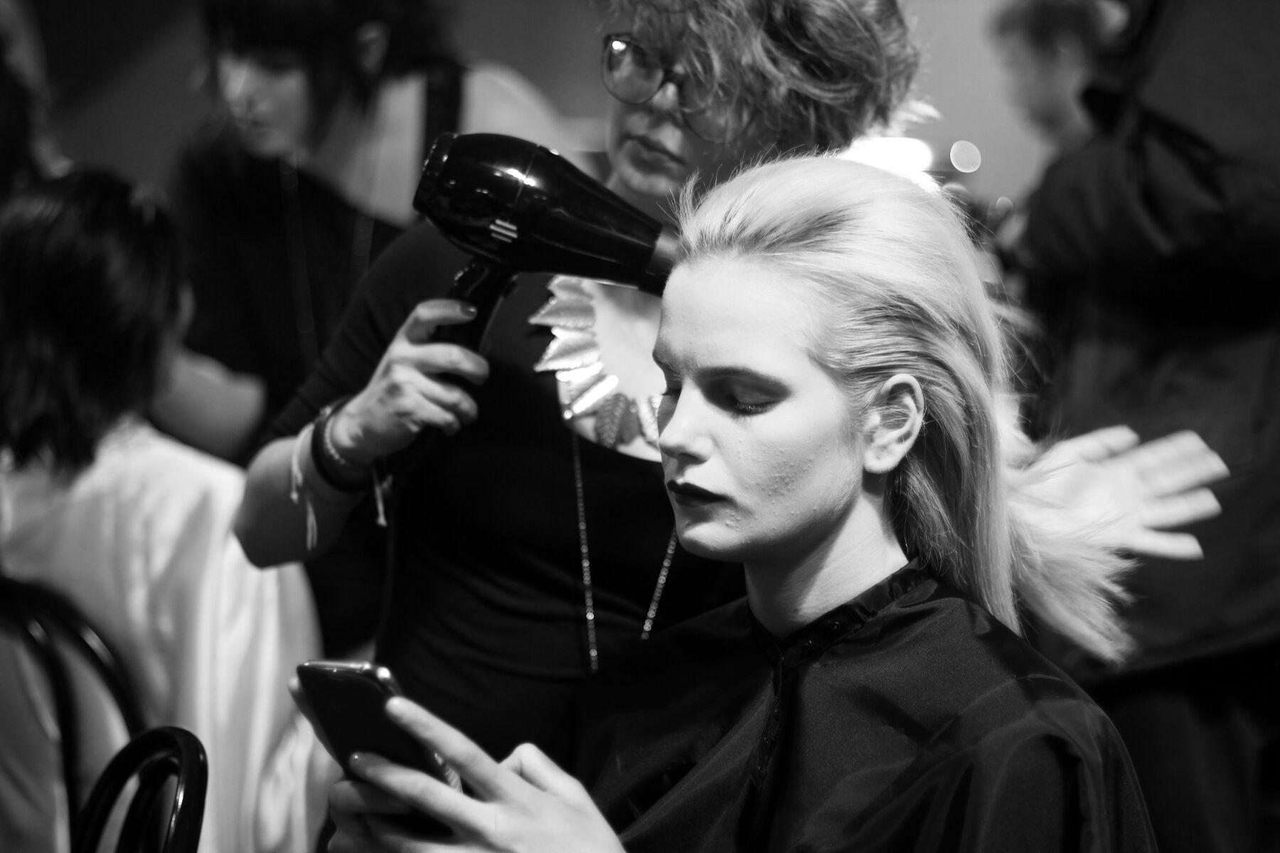 Backstage Anteprima FW 2013 14 Model Hair Style